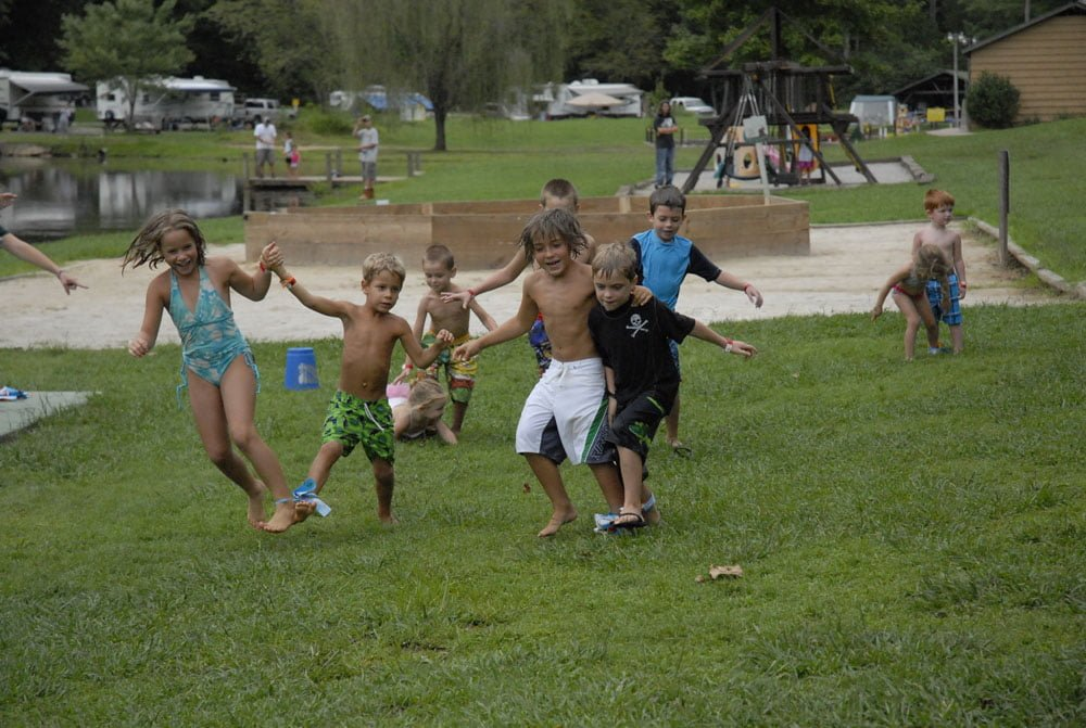kids in a three legged race