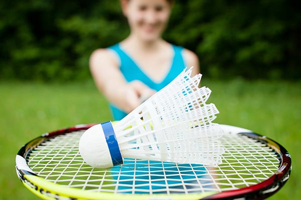 woman-playing-badminton